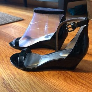 NWT Bandolino Wedge Sandals